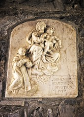 Dignare  me  laudare te, Virgo sacrata (Charlemagne OP) Tags: lakecomo varenna lombardia italy street sculpture basrelief saint virginmary stdominic