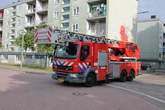 17-3751 (Jeffrey van Buuren Emergency Vehicles) Tags: brandweer fire department firefighting pompiers feuerwehr netherlands dutch firetruck brandweerwagen blauwlicht 112 911 emergency bomberos