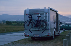 (Aqu y ahora.) Tags: travel viajar espaa spain galicia caravan caravana hippie bikes bicicletas lanscape blue sky