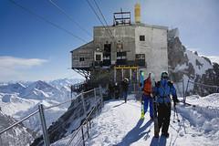 On World's top (Douglas M.P.) Tags: mountain montagna neve snow freddo gelo ice men could valledaosta italy italia helbronner white