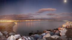 Playa de La Misericordia, Málaga (Jose María Ruiz) Tags: sea españa moon beach night noche mar spain playa andalucia luna nocturna andalusia malaga piedras termica espigon mfcc orillastone