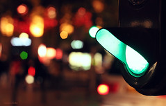 Green light (nina's clicks) Tags: city night lights luces trafficlight bokeh citylights semaforo greenlight luzverde hbw