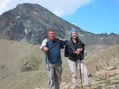 Tommaso e Manuela (Emanuele Lotti) Tags: italy mountain montagne trekking italia hiking 8 valle 2006 monte tre alpi montagna aosta monti luglio passo cappuccini escursionismo escursioni arbolle emilius graie
