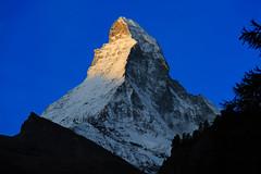Sunrise at Zermatt, Matterhorn (perahia) Tags: snow alps sunrise landscape switzerland nikon swiss zermatt matterhorn 70200 d3