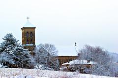 Aprs la neige... (ImAges ImprObables) Tags: hiver gimp neige commune arbre glise effet drme rhnealpes divajeu
