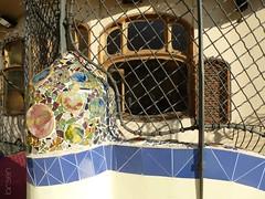 Barcelone - Casa Batlló (larsen & co) Tags: barcelona architecture spain patio artnouveau gaudi espagne barcelone modernisme antonigaudi trencadis casabatló puitsdelumière casbatlo