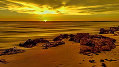 View of the sunset at Caspersen Beach,  Harbor Drive, Venice, Florida, U.S.A. (Jorge Marco Molina) Tags: caspersenbeach florida usa sarasotacounty sunshinestate venice sharkteeth sunset panoramic sand rocks gulfofmexico harbordrive