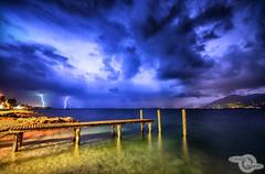 upcoming thunderstorm (Danijel Jovanovic Photography) Tags: lago di garda italy italia italien lake gardasee gewitter blitz unwetter himmel steg storm rain sky lightning weather