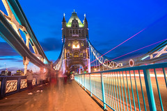 ENDLESS (Rober1000x) Tags: summer verano 2016 london londres architecture historic tower bridge lights night bluehour perspective