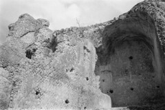 Minturno, gli scavi (sirio174 (anche su Lomography)) Tags: minturno scavi archeologia scaviarcheologici rovine teatroromano italia