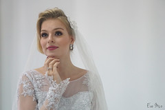 Essa, 2/3 (Eve Msz) Tags: bridal photoshoot portraiture portrait wedding sonyalpha sonya6000 sony a6000 pondering
