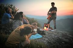 Rockcamminate [explored] (Strocchi) Tags: dof phone photo singer cantnte tramonto sunset canon eos6d 24105mm isaksuzzi camminatefotografiche