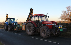 Case 5140 & New Holland - 10 December 2012 - 14