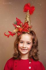 Xmas (Malia Len ) Tags: christmas xmas red portrait cute children navidad rojo infant child retrato nia linda malia infantil nena malialeon