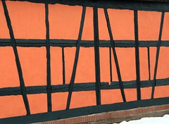 (:Linda:) Tags: red wall germany village thuringia halftimbered fachwerk twocolors lengfeld