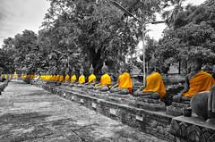 Wat Yai-Chai Mongkol temple, Ayyuthya, Thailand (u2giants) Tags: red orange thailand temple robe buddha buddhist wat chai saffron yai mongkol watyaichaimongkol ptayer ayyuthya watyaichai yaichai