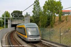 Into the black hole (ernstkers) Tags: portugal trolley tram porto lightrail streetcar matosinhos tranvia tramvia metrodoporto eurotram strasenbahn mplinhaa