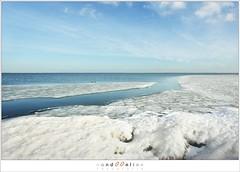 Kuiend ijs (5D043562) (nandOOnline) Tags: winter berg nederland natuur vuurtoren marken landschap noordholland ijselmeer ijs vorst markermeer vriezen ijsschotsen kruiendijs dooien paardvanmarken