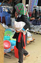 Dao Ao Dai ethnic minority (Linda DV) Tags: travel people canon geotagged asia southeastasia market culture vietnam clothes tribe ethnic dao minority hmong dzao zao 2012 indochina ethnology bacha ethnicminority laocaiprovince minorité ethnischeminderheid culturaltravel minderheid lindadevolder powershotsx40