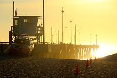 Ready for Sunset - Venice Beach (Eric Demarcq) Tags: california ca sunset sea bird beach la losangeles pacific americanflag lifeguard venicebeach westcoast laist canoneos600 venicebeachpier discoverla ericdemarcq