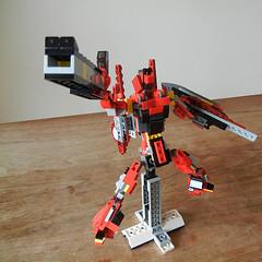 DSCN6926 (alfa145q_lego) Tags: lego legocreator redcreatures 31032 mecha vehicletransporter 31033 rebuild alternate