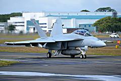F/A-18  U.S Navy at Prestwick (Allan Durward) Tags: glasgow military hornet boeing prestwick pik fa18 superhornet usmilitary fa18f prestwickairport egpk fa18fsuperhornet glasgowprestwick