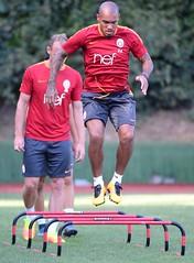 Nigel De Jong (l3o_) Tags: galatasaray sar krmz red yellow football futbol nigel de jong