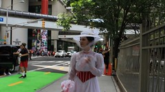 A Stroll with Mary Poppins (Romanopolis) Tags: dragoncon2016 marypoppins family fun robin r2d2 tedroman timroman udreplicas dawnofjustice armoredbatman deadrobin harrypotter bellatrixlestrange