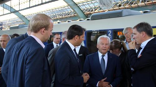 Gespräch mit Minister Olaf Lies, Bahnchef Rüdiger Grube und Oberbürgermeister Jürgen Krogmann am Hauptbahnhof Oldenburg.