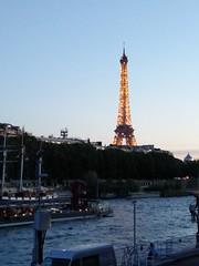 Tour Eiffel et bord de Seine