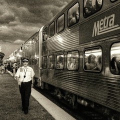 Don't look now but the dark clouds are gaining.#METRA #clouds #commuters #TRAINS #b&wphotography #samsung (GDMetzler) Tags: instagramapp square squareformat uploaded:by=instagram blackwhite metra clouds storm train commuter samsung northbrook morning people rails