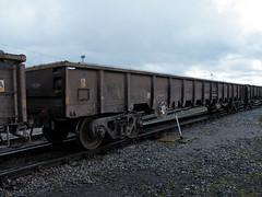 500287 Crewe Basford Hall 210412 (Dan86401) Tags: wagon open db inner infrastructure 500 freight bogie swordfish engineers mda dbs departmental thrall schenker ews crewebasfordhall fishkind ballastbox 500287