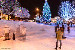 Christmas Memories (Dan Mihai) Tags: park christmas xmas longexposure family trees winter decorations snow playground kids night children stars photography lights parents washington play hill memories christmastree pacificnorthwest snapshots merry washingtonstate wonderland sleds leavenworth twinklinglights
