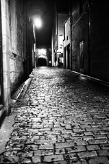 Church Alley (Nick Lambert!) Tags: street blackandwhite bw scotland fuji ayr cobbles streetscape fujix100 fujinonasphericallens