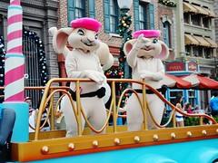 Bunnies (Elysia in Wonderland) Tags: christmas pink usa holiday bunnies america easter lucy orlando december florida parade universal hop studios beret 2012 elysia