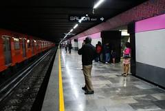 Remodelacin de Isabel la Catlica (Monitor Encendido) Tags: mexico mexicocity df metro centro ciudad ciudaddemexico transporte centrohistorico distritofederal isabellacatolica linea1 chdf