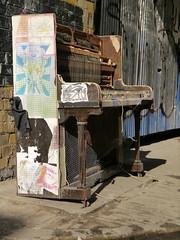 Old Johanna (Harleycy3) Tags: abandoned keys junk piano streetscene rubbish joanna wreck
