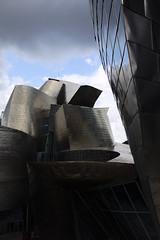 Museo Guggenheim, Bilbao, Espagne (picsfromsomewhere) Tags: museum bilbao spain gerhy architecture urban art guggenheim contemporaryart modernart
