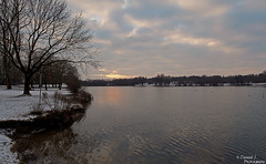 Cold Lake II. ( Dominik J. Photography) Tags: schnee winter sunset sea sun lake snow cold water canon germany munich bavaria dslr redsun feldmochingersee 5dmarkii dominikjakob