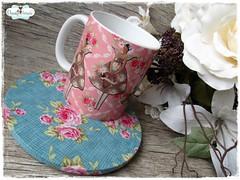 Caneca Tilda & Mug Rug Sousplat (**DASDE Artes!**) Tags: flor rosa tilda caneca sousplat mugrug canecapersonalizada tapetedecaneca canecadercelana