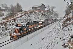 Winter Wonderland. (W&LE45) Tags: railroad train trains rook westland southview sd402 tankcars sd40 sd403 wle rookyard wheelinglakeerie wheelinglakeerierailway rooksubdivision westlandbranch