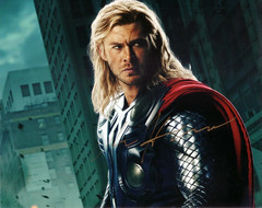 Chris Hemsworth Signed Photograph 2 (TravelShorts) Tags: startrek autograph sp actor thor kirk avengers signed homeandaway cabininthewoods chrishemsworth snowwhiteandthehuntsman