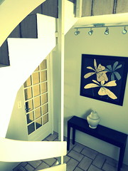 Welcome (Dallasthecat) Tags: door white window stairs painting entrance lifestyle peinture porte welcome escalier couloir entre