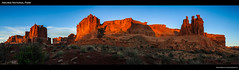 The Big View at the Courthouse (ken.krach (kjkmep)) Tags: sunrise utah archesnationalpark threegossips courthousetowers
