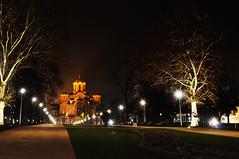 St. Mark's Church (Hugo Chinaglia) Tags: park city parque trees cidade orange church yellow night garden lights serbia laranja marks amarelo igreja jardim noite belgrade arvores belgrado d90 servia tamajdan 18105mm