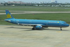 Vietnam Airlines | Airbus A321-200 | VN-A350 (*Charlie Alfa*) Tags: sgn aviation airplane maybay 飞机 비행기 літак avión flugzeug avião 飛行機 เครื่องบิน самолет letoun विमान ਜਹਾਜ਼ ហឹ 飛機 aereo eruplano avion מטוס lentokone αεροπλάνο vliegtuig samolot zrakoplov letalo repülőgép flygplan fly uçak aircraft airliner airbus airbusa321 vietnamairlines vna350 vvts