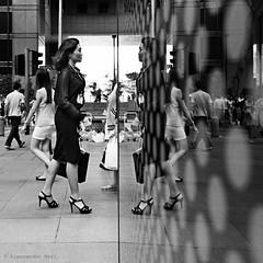 Singapore (ale neri) Tags: street bw monocromo asian people woman reflection singapore aleneri streetphotography blackandwhite alessandroneri