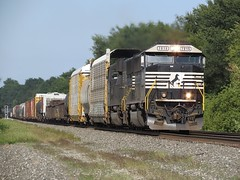 Open Air Auto Rack / NS Chicago Line (codeeightythree) Tags: ns norfolksouthrnrailroad norfolksouthernchicagoline norfolksouthern rollingprairieindiana rollingprairie manifestfreight manifest freight transportation openaircar westbound chicagobound mp456