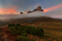 The giant and the fog (Simon_Bauer) Tags: alps alpen passo di giau italy italien dolomiti dolomiten dolomites sdtirol cortina d ampezzo falzarego nature landscape sunset sonnenuntergang natur landschaft berge berg mountains fog mist nebel abendrot