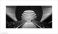 Canary Wharf Tube Station (Ian Bramham) Tags: white black london underground photo tube canarywharf atation ianbramham